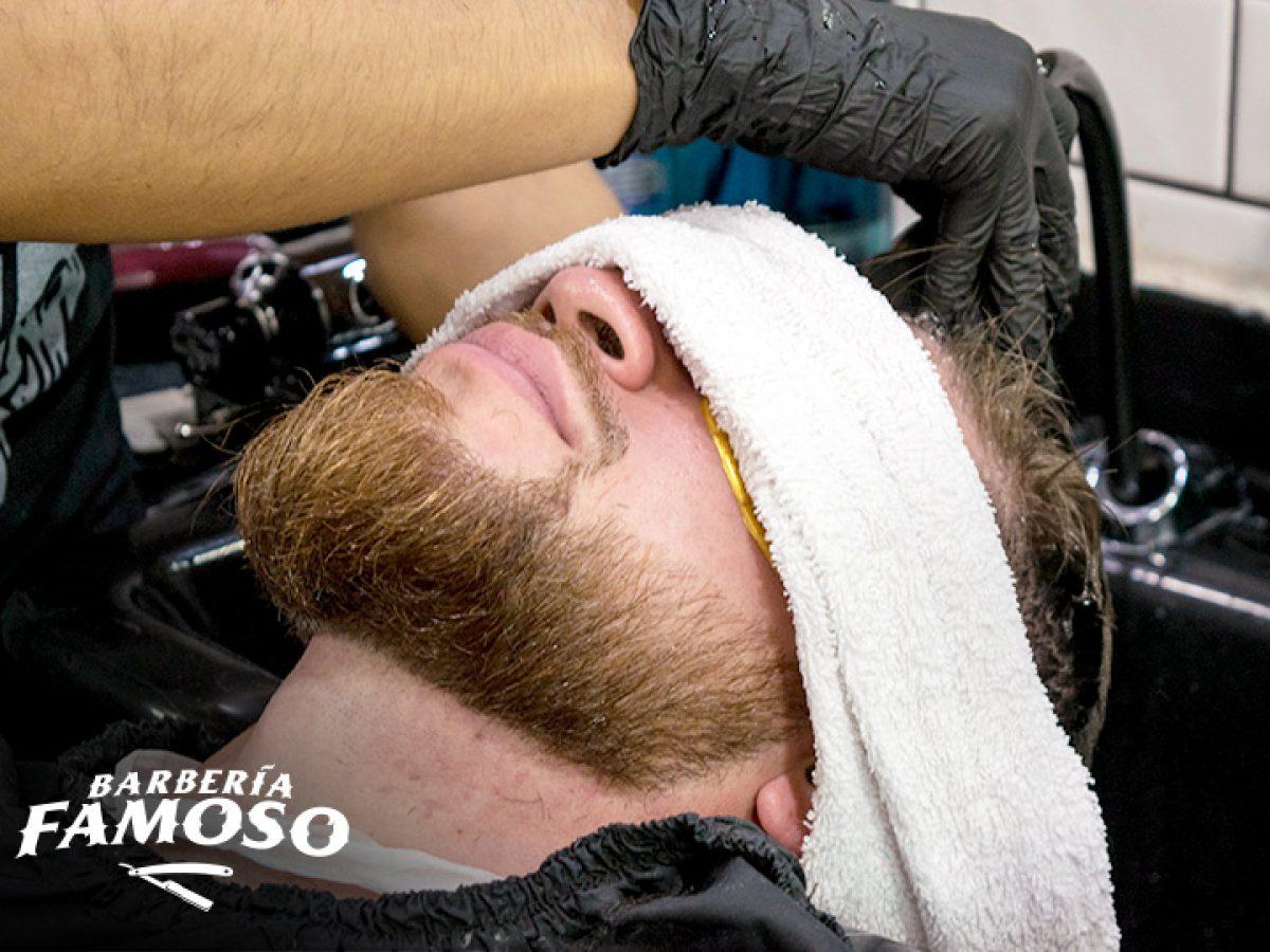 Mi franquicia - Barbería el Famoso cover
